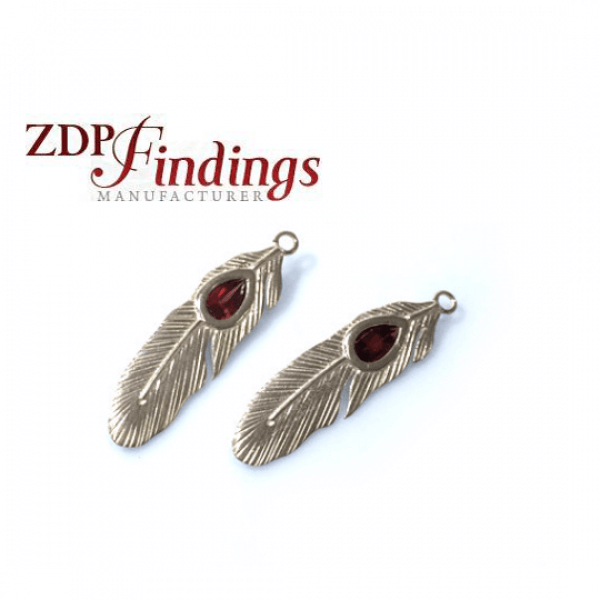 35x9mm Red Garnet Silver 925 Feather Pendant