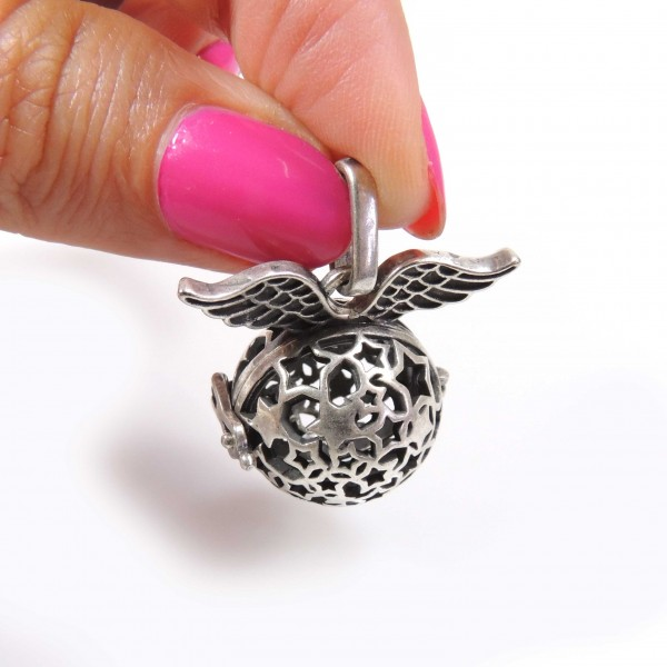 40x25mm Open Wings Ball Large Pendant