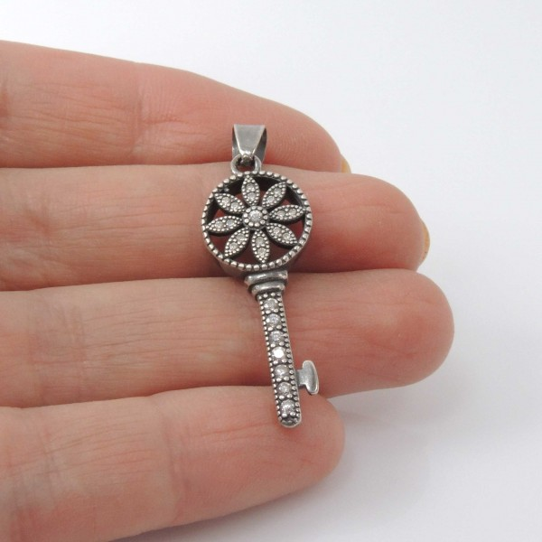 32mm Rhinestone Flower Lock Key Pendant
