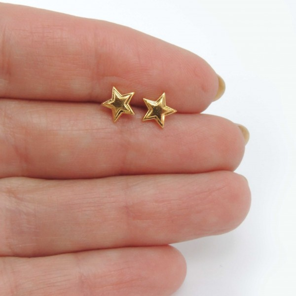 Modern 7mm Gold Plated Star Geometric Post Earrings