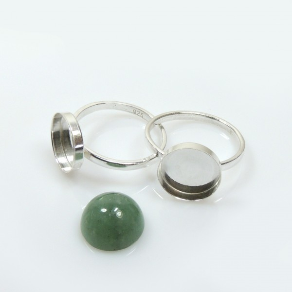 10mm Round Bezel on Ring,  925 Sterling silver. Choose your size