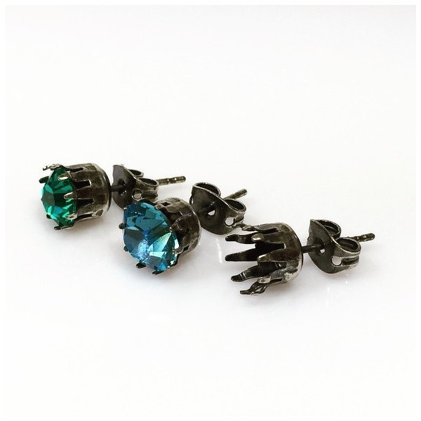 ss39 1028, 1088 Swarovski Post Earrings