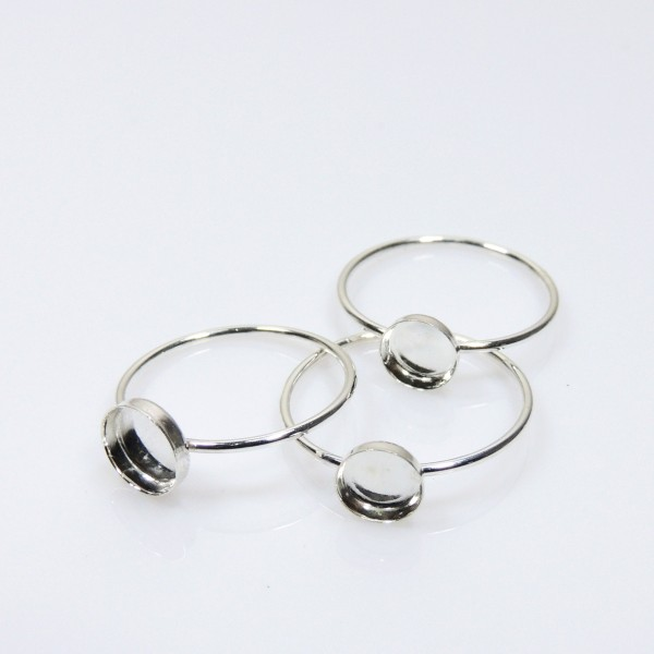 8mm Round Bezel on Ring,  925 Sterling silver. Choose your size.