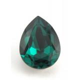 18x13mm 4320 Swarovski Pear Emerald